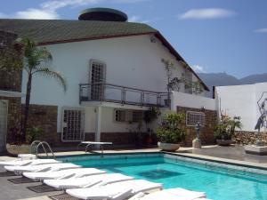 Casa En Ventaen Caracas, Colinas De Los Chaguaramos, Venezuela, VE RAH: 19-11240