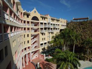 Apartamento En Ventaen Puerto La Cruz, Complejo Turistico El Morro, Venezuela, VE RAH: 19-11329