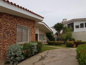 Casa En Ventaen Coro, Parcelamiento Santa Ana, Venezuela, VE RAH: 19-11332