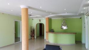 Local Comercial En Ventaen Coro, Av El Tenis, Venezuela, VE RAH: 19-11337