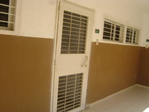 Apartamento En Alquileren Maracaibo, Avenida El Milagro, Venezuela, VE RAH: 19-11386