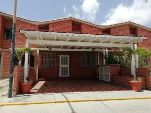 Townhouse En Ventaen Guarenas, Nueva Casarapa, Venezuela, VE RAH: 19-11438