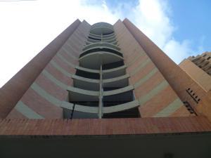 Apartamento En Ventaen Valencia, Las Chimeneas, Venezuela, VE RAH: 19-11457