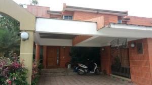 Townhouse En Ventaen Municipio Naguanagua, Maã±Ongo, Venezuela, VE RAH: 19-11547