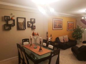 Apartamento En Alquileren Maracaibo, Avenida Milagro Norte, Venezuela, VE RAH: 19-11619