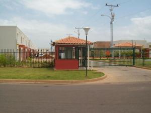 Townhouse En Ventaen Maracaibo, La Rotaria, Venezuela, VE RAH: 19-11705