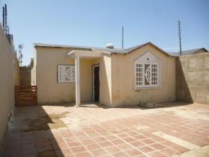 Casa En Ventaen Punto Fijo, Puerta Maraven, Venezuela, VE RAH: 19-11747