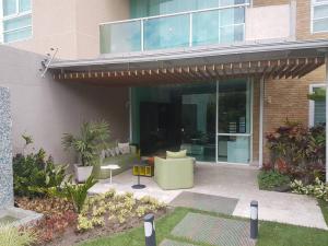 Apartamento En Ventaen Caracas, Santa Rosa De Lima, Venezuela, VE RAH: 19-11753