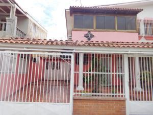 Casa En Ventaen Valencia, Trigal Sur, Venezuela, VE RAH: 19-11868