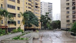Apartamento En Ventaen Caracas, El Valle, Venezuela, VE RAH: 19-11920