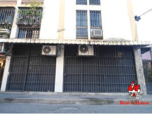 Local Comercial En Ventaen Maracay, Zona Centro, Venezuela, VE RAH: 19-11903