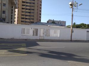 Local Comercial En Ventaen Maracaibo, Avenida Bella Vista, Venezuela, VE RAH: 19-11937
