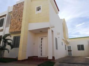Townhouse En Alquileren Maracaibo, Canchancha, Venezuela, VE RAH: 19-11995