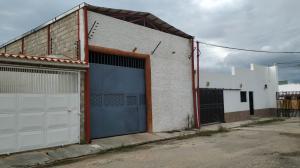 Galpon - Deposito En Ventaen Valencia, Parque Valencia, Venezuela, VE RAH: 19-12004