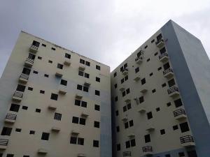 Apartamento En Ventaen Municipio Los Guayos, Paraparal, Venezuela, VE RAH: 19-12007