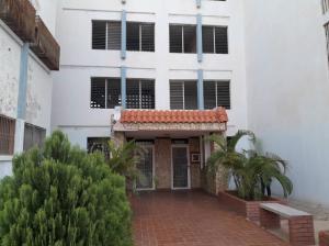 Apartamento En Ventaen Maracaibo, Pomona, Venezuela, VE RAH: 19-12015