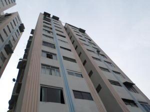 Apartamento En Ventaen Caracas, Petare, Venezuela, VE RAH: 19-12021