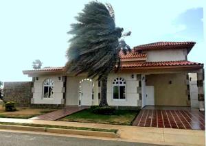 Casa En Ventaen Punto Fijo, Terrazas Club De Golf, Venezuela, VE RAH: 19-12019