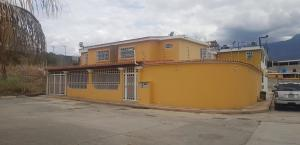 Casa En Ventaen Guatire, Country Club Buena Ventura, Venezuela, VE RAH: 19-12074