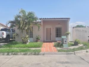 Casa En Ventaen Guacara, Ciudad Alianza, Venezuela, VE RAH: 19-12094