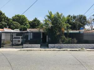 Casa En Ventaen Maracay, Los Samanes, Venezuela, VE RAH: 19-12095