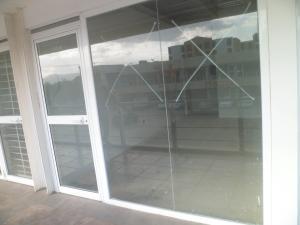 Local Comercial En Ventaen Municipio Los Guayos, Paraparal, Venezuela, VE RAH: 19-12263