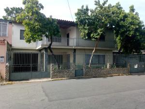 Casa En Ventaen Maracay, La Cooperativa, Venezuela, VE RAH: 19-12261