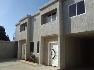 Townhouse En Ventaen Maracaibo, Los Olivos, Venezuela, VE RAH: 19-13350
