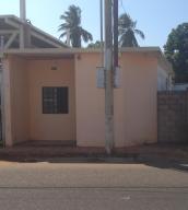 Casa En Ventaen Municipio San Francisco, Sierra Maestra, Venezuela, VE RAH: 19-12338