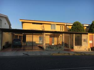Casa En Ventaen Barquisimeto, Parroquia Santa Rosa, Venezuela, VE RAH: 19-12343