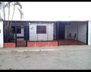 Casa En Ventaen Barquisimeto, Parroquia El Cuji, Venezuela, VE RAH: 19-12391