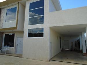 Townhouse En Ventaen Ciudad Bolivar, Andres Eloy Blanco, Venezuela, VE RAH: 19-12411