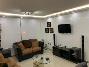 Apartamento En Ventaen Lecheria, Complejo Turistico El Morro, Venezuela, VE RAH: 19-12436