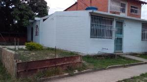Casa En Ventaen Cagua, Prados De La Encrucijada, Venezuela, VE RAH: 19-12686