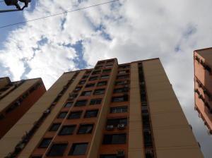 Apartamento En Ventaen Municipio Naguanagua, Palma Real, Venezuela, VE RAH: 19-12692