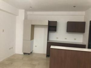 Apartamento En Ventaen Maracaibo, La Lago, Venezuela, VE RAH: 19-12940