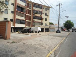 Local Comercial En Ventaen Maracaibo, Las Delicias, Venezuela, VE RAH: 19-12731