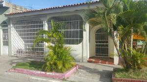 Casa En Ventaen Municipio Miguel Peña, Lomas Del Funval, Venezuela, VE RAH: 19-13202