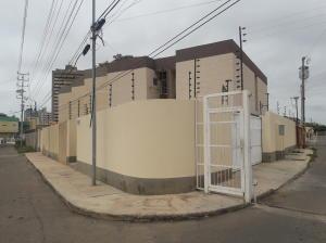 Townhouse En Ventaen Maracaibo, La Trinidad, Venezuela, VE RAH: 19-3779