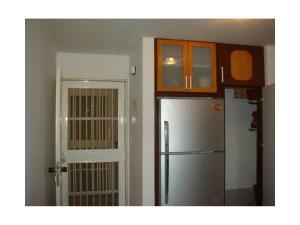 Apartamento En Ventaen Higuerote, La Costanera, Venezuela, VE RAH: 19-12908