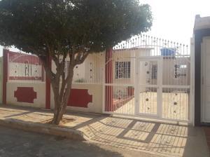 Casa En Ventaen Municipio San Francisco, El Soler, Venezuela, VE RAH: 19-12882