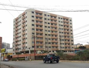 Apartamento En Alquileren Lecheria, Complejo Turistico El Morro, Venezuela, VE RAH: 19-13062