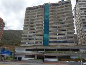 Apartamento En Ventaen Parroquia Caraballeda, Camuri Chico, Venezuela, VE RAH: 19-13237