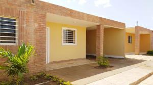 Casa En Ventaen Coro, Sector Los Perozos, Venezuela, VE RAH: 19-8859