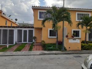 Townhouse En Ventaen Guatire, Vista Dorada, Venezuela, VE RAH: 19-13162