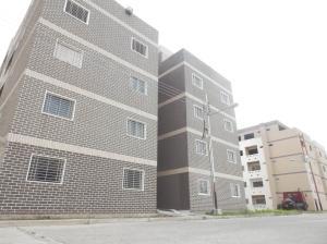 Apartamento En Ventaen Maracay, Santa Rita, Venezuela, VE RAH: 19-13164