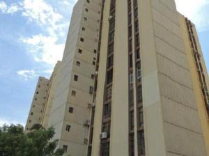 Apartamento En Ventaen Maracaibo, Lago Mar Beach, Venezuela, VE RAH: 19-13247