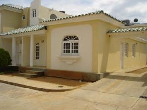Townhouse En Ventaen Maracaibo, Avenida Milagro Norte, Venezuela, VE RAH: 19-13289