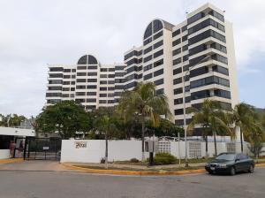 Apartamento En Alquileren Lecheria, Av Diego Bautista Urbaneja, Venezuela, VE RAH: 19-13267