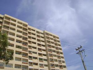 Apartamento En Ventaen Maracaibo, Avenida El Milagro, Venezuela, VE RAH: 19-13273